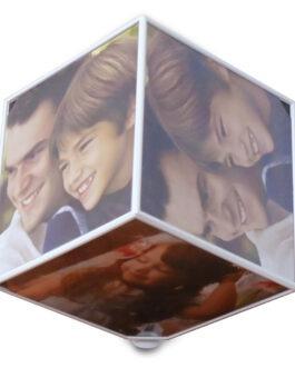 קוביה מסתובבת עם תמונות אישיות לפי בחירתכם