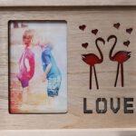 מסגרת תמונה אישית לפי בחירתכם + כיתוב HOME/LOVE עם תאורה