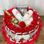 עוגת קינדר ענקית LOVE